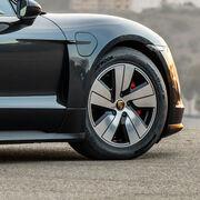 Hankook equipará los deportivos eléctricos de Porsche Taycan con sus neumáticos especiales