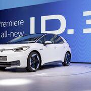 Los neumáticos con tecnología Enliten de Bridgestone equipan el primer eléctrico de VW