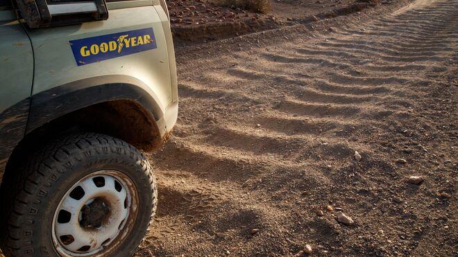 Goodyear equipará de serie con dos neumáticos el nuevo Land Rover Defender