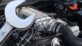 ¿Cómo se deben reparar los tacos del motor?