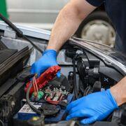 La batería, implicada en el 30% de las incidencias mecánicas en el verano