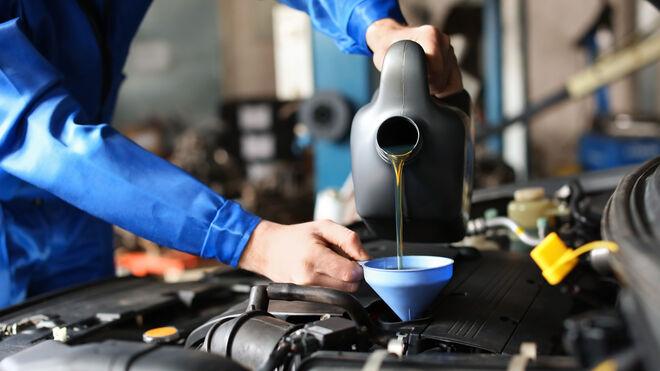Las multas a talleres por contaminar con químicos y aceites caen el 27% en Galicia