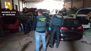 La Guardia Civil desmantela un desguace ilegal en El Tiemblo (Ávila)