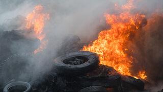¿Por qué quemar neumáticos abandonados de forma ilegal debilita la capa de ozono?