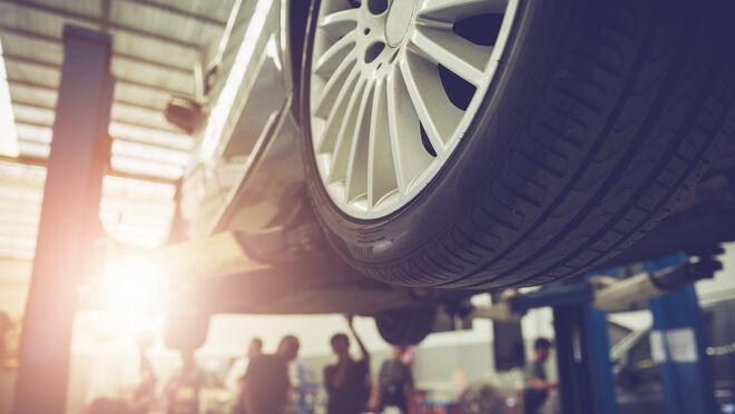 Seis averías del coche que se originan por el mal estado de los neumáticos