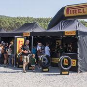 Pirelli exhibirá su gama de neumáticos 4X4 en la Land Rover Party 2020