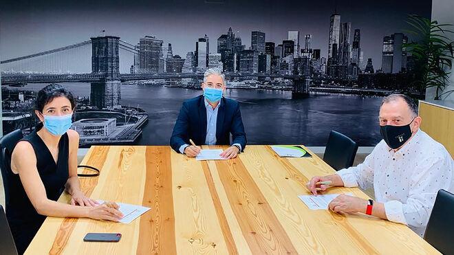Adine firma un convenio para ofrecer a sus asociados un servicio de consultoría