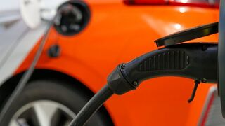 Los concesionarios automatricularon más de 2.000 coches eléctricos hasta agosto