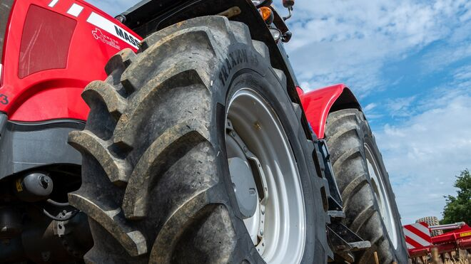 Vredestein amplía su gama Traxion 65 de neumáticos para tractor con 15 nuevos tamaños