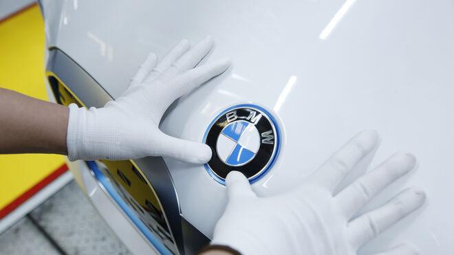 BMW llama a revisión a 27.600 híbridos enchufables ante un posible riesgo de incendio