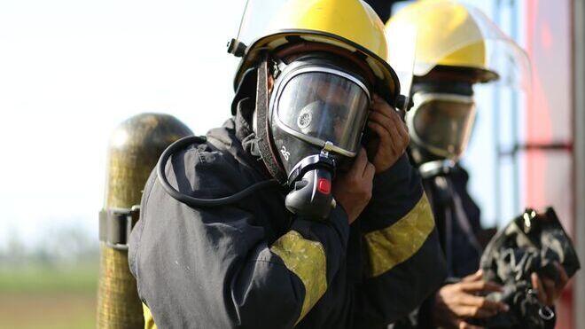 Seis coches afectados en dos incendios en talleres de La Coruña
