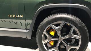 Pirelli crea versiones a medida de su gama Scorpion para equipar los 4X4 eléctricos de Rivian