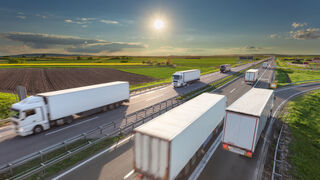 ¿Cómo contribuyen los neumáticos al transporte sostenible y el ahorro de costes?