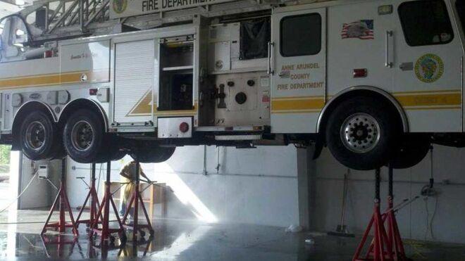 Caballetes para camiones: la importancia de este equipamiento para el taller