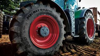 Agrimax V-Flecto, nueva gama de neumáticos BKT para tractores de alta potencia