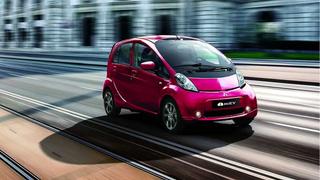 Toyota Yaris y Mitsubishi i, híbrido y eléctrico que más visitan el taller en España