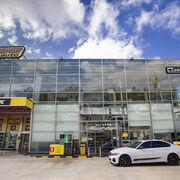 Neumáticos Soledad se abre paso en el retail con su primer supermercado