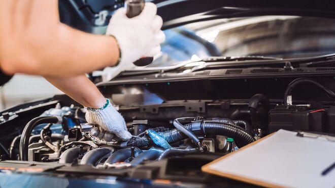 """Prohibidas las reparaciones de vehículos en carretera que no sean de """"auxilio en vía pública"""""""