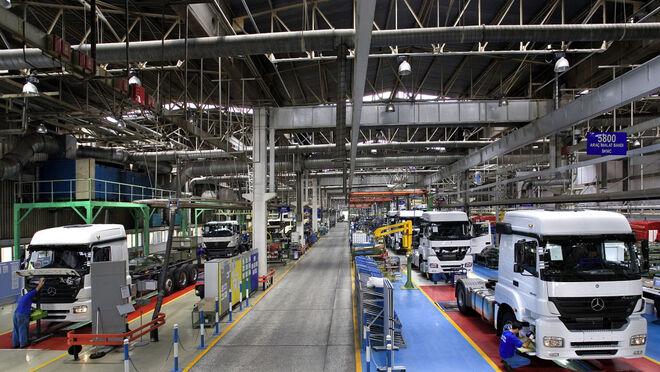 Las ventas de camiones y autobuses cayeron el 15,3% en España, pero subieron el 2,6% en Europa en febrero