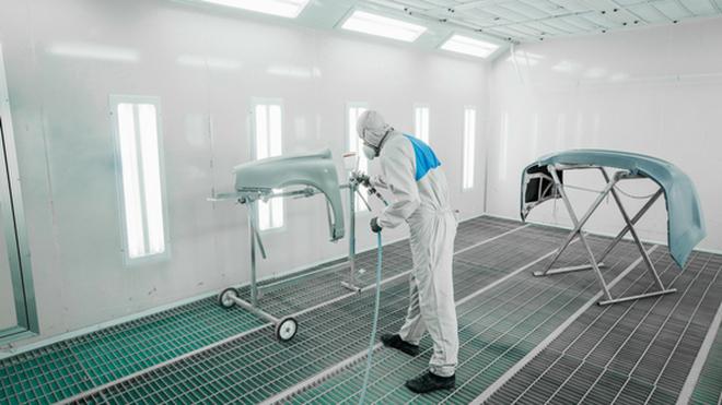¿Tiene el taller que medir las emisiones de la cabinas de pintura?