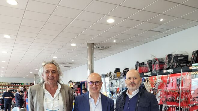 Auto-Parts-Management (Jiménez Maña y Francisco Salas) compra Hnos. Gómez Pleguezuelos