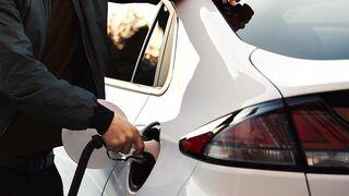Cuatro de cada diez españoles no está dispuesto a gastar más en un coche menos contaminante