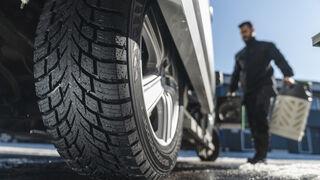 Nokian Tyres presenta online sus nuevos Seasonproof C y Snowproof C