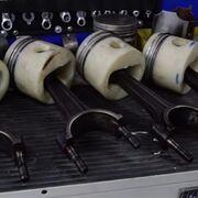 Un motor con pistones de plástico o madera, ¿podría funcionar?