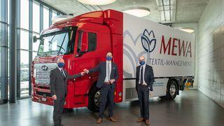 Mewa dispone ya para sus servicios del primer camión de hidrógeno de Hyundai