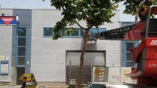 Fallece un bombero de la Generalitat en el incendio de un taller de Barcelona