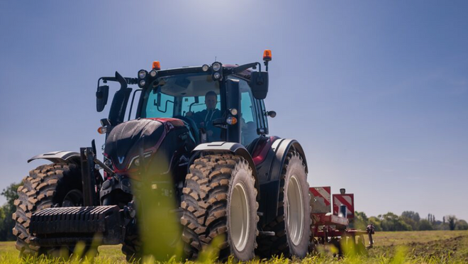 Nokian Hakkapeliitta TRI, disponible para tractores utilitarios de la serie 65