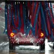 Causas, prevención y reparación de arañazos en la pintura por cepillos de lavado