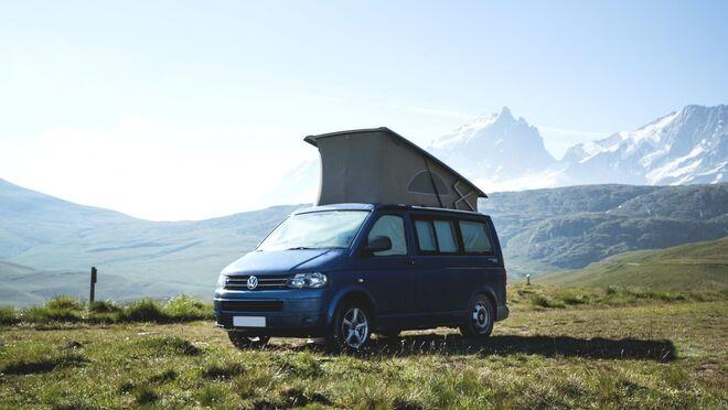 Cambio de batería en una Volkswagen Multivan