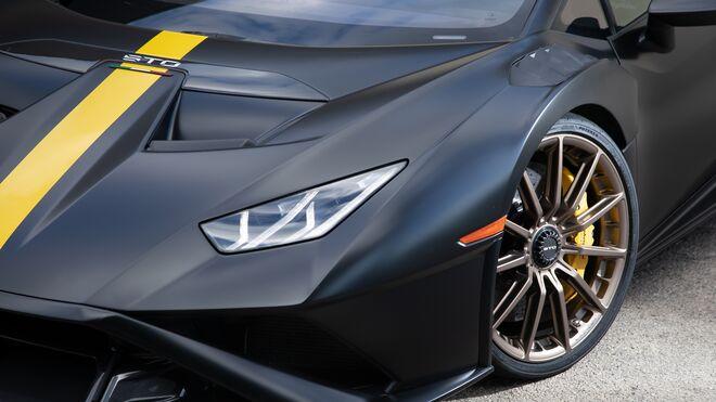 Bridgestone equipa con sus neumáticos Potenza Race a medida el Lamborghini Huracán STO