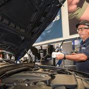 Euromaster recomienda cambiar el aceite antes de salir de vacaciones para evitar averías mayores