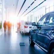 La facturación por reparación y venta rompió en abril dos meses de crecimiento, según el INE