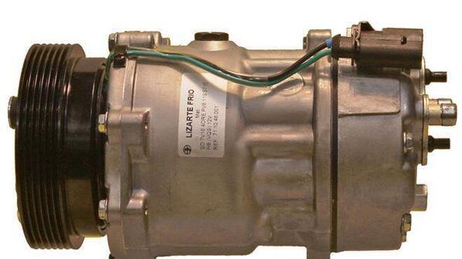 Pasos previos al montaje del compresor de aire acondicionado de un automóvil