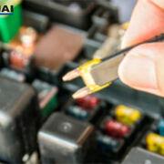 ¿Es seguro aumentar los voltios o amperios de las piezas eléctricas en un vehículo?