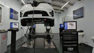 RecOficial Service inicia el curso académico formando en estructura del coche eléctrico