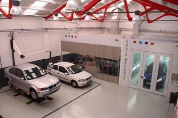 La nueva vida de dise o de carrosseria masini en barcelona - Fachadas de talleres ...
